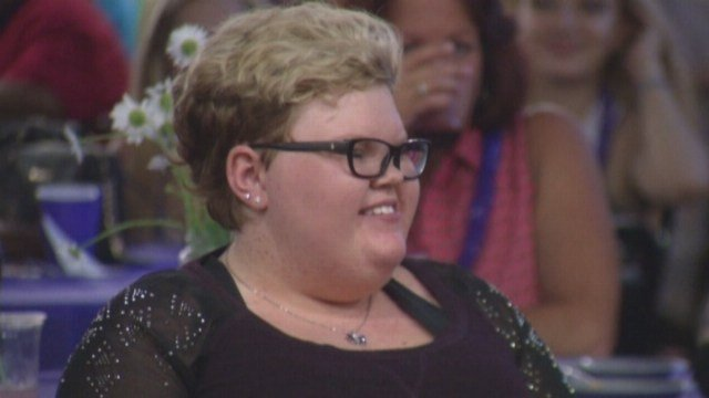 Teen with cancer bids friends farewell at party