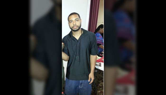 Dallas shooting suspect Micah Johnson appears in a now-removed Facebook photo. (Source: Facebook)