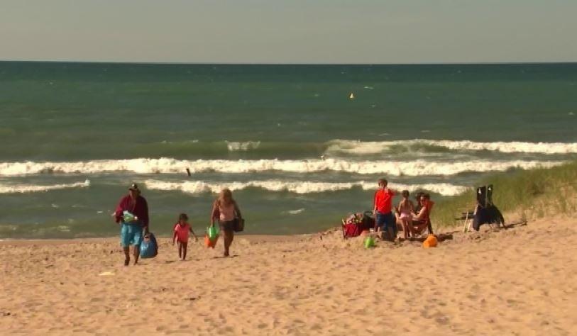 Two drown in Lake Michigan at Gary beach