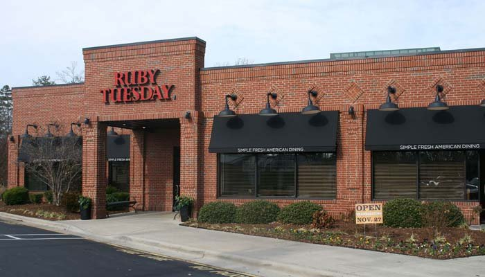 Ruby Tuesday will close 95 of its restaurants across the U.S. (Source: Sagdejev/Wikicommons)