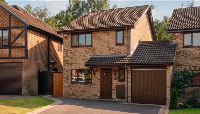 Harry Potter's 4 Privet Drive home goes on sale for £475000