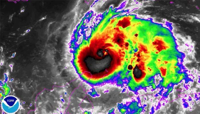 Hurricane Matthew strengthens into major hurricane