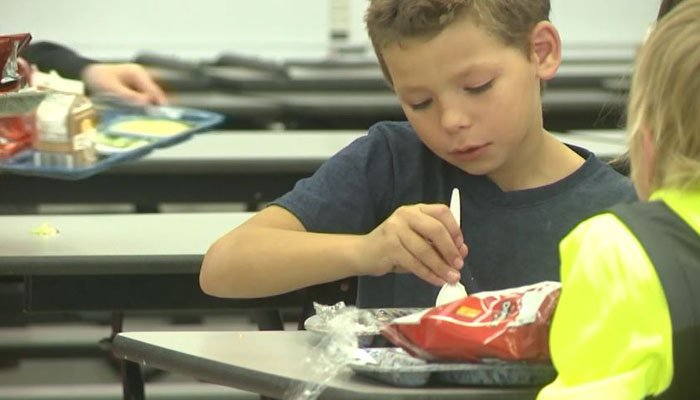 Iowa man pays for overdue lunch bills at former school