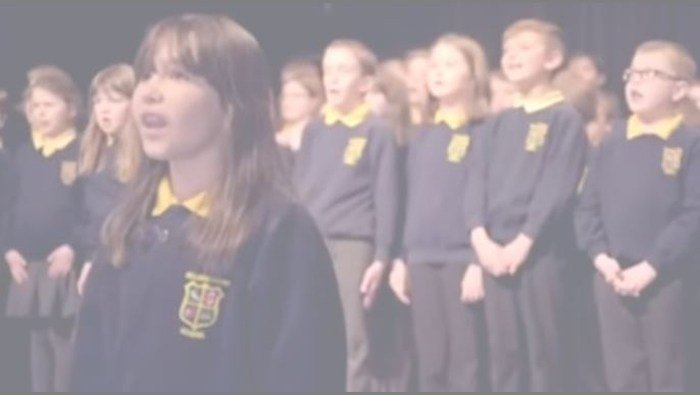 Girl with autism sings heartwarming rendition of 'Hallelujah'
