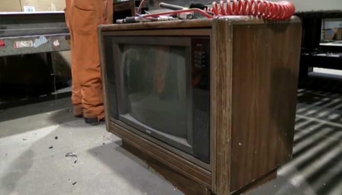 $100000 Found In Old Television Set