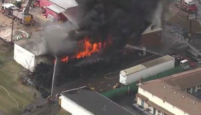Firefighters battle blaze at Baltimore County tire shop