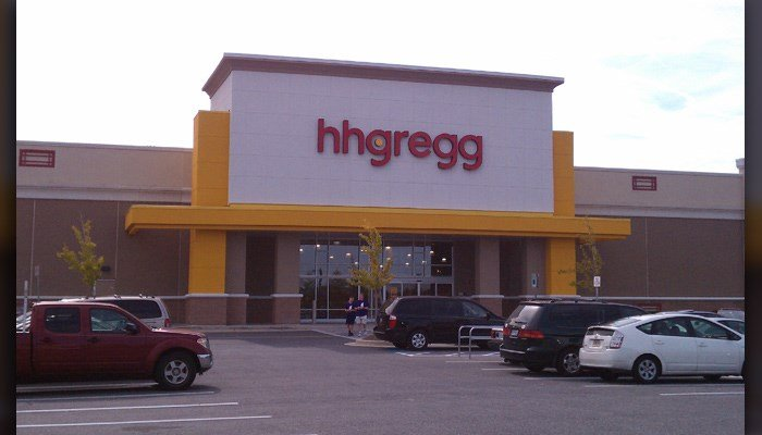 An hhgregg is shown in Hanover, MD. The retailer announced it is closing 88 stores. (Source: Jonesdr77/Wikicommons)