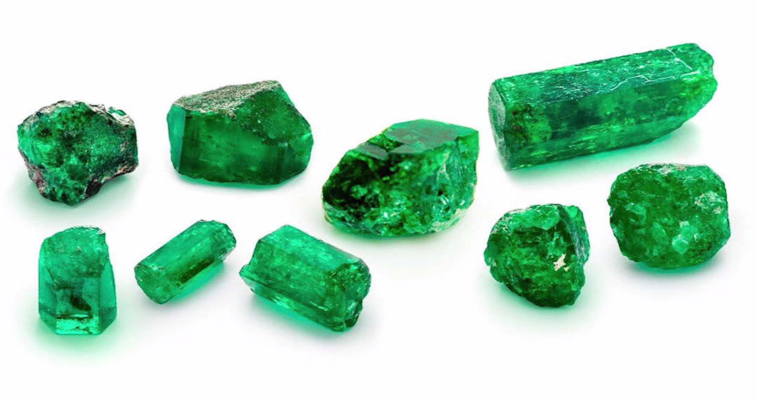 These emeralds will fetch a pretty penny at an auction next month. (Source: Guernseys/CNN)