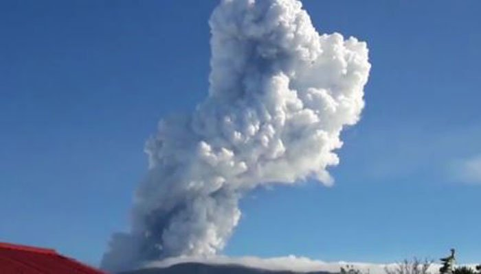 Ash from Friday's eruption reached almost 2 miles into the air. (Source: CNN/Teletica)