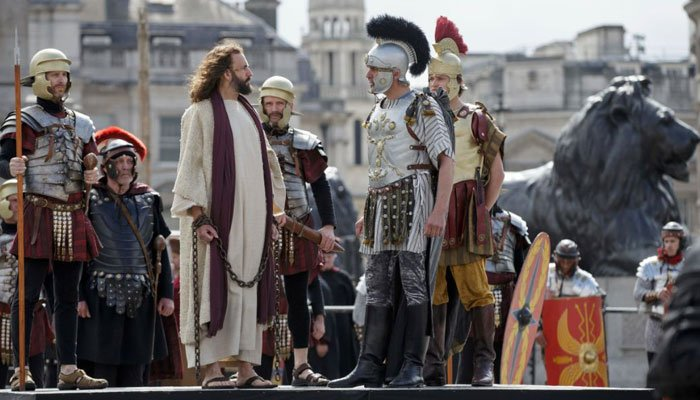 The victim is not in this photo of actors performing during 'The Passion of Jesus' in Trafalgar Square in London, Friday, April 14, 2017. (Source: AP Photo/Tim Ireland)