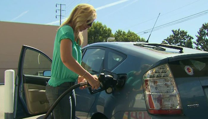 With high gas prices projected for the summer, here are some practical tips drivers can use to save money. (Source: CNN)