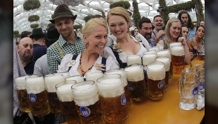 A study found clinical evidence that beer reduces pain. (Source: AP/M. Schrader)