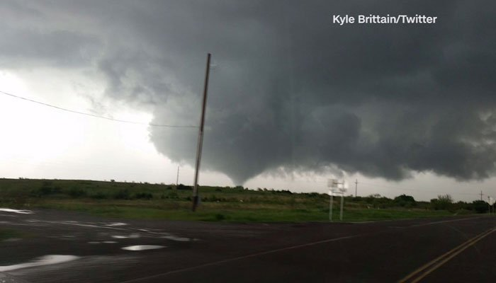The National Weather Service had a confirmed tornado south of Waynoka, Oklahoma around 5 p.m. local time. (Source: Kyle Brittain/CNN)