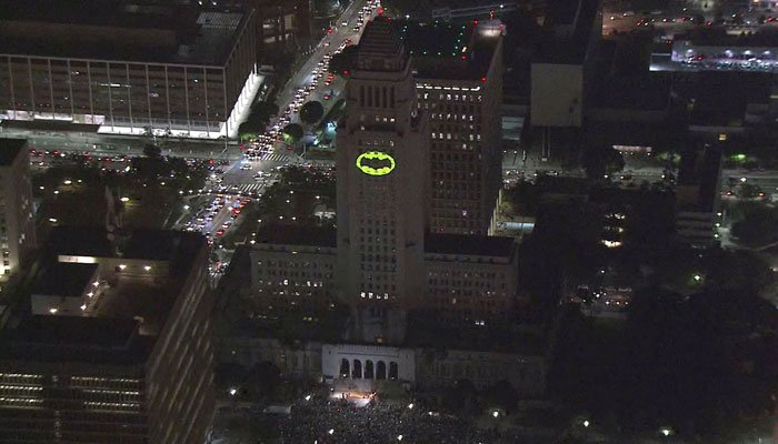 Los Angeles' mayor and police chief joined others at city hall for the ceremonial lighting. (Source: KTLA/CNN)