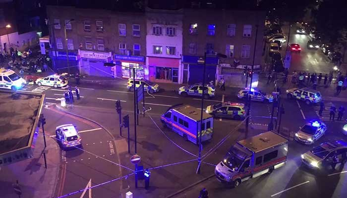"London Metropolitan Police have responded after a vehicle reportedly hit multiple pedestrians causing ""a number of casualties."" (Source: CNN/Thomas Van Hulle)"