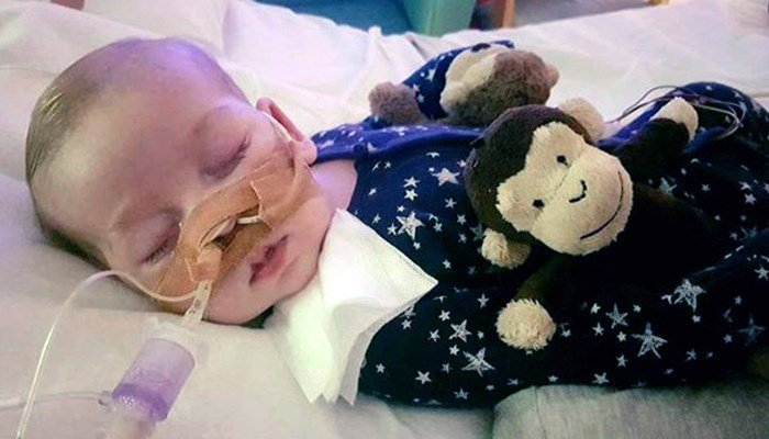 Trump & Pope Francis pledge support for terminally-ill baby Charlie Gard