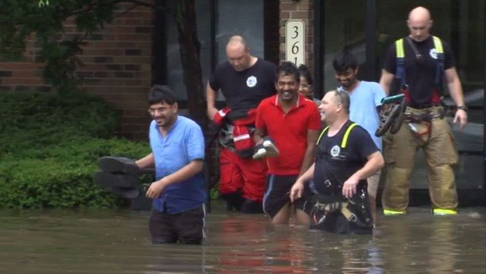 Gov. Walker visits flood ravaged Burlington