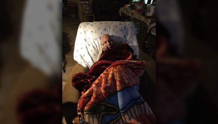 Lee Hernandez is suffering from a deteriorative illness, but he wants people to send him messages. (Source: Arizona Veterans Forum)