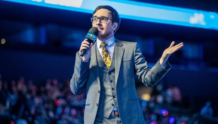 James O'Leary is one of Riot Games' official shoutcasters for the EU League Championship Series. (Source: James O'Leary/Twitter)