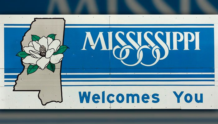 "A Seattle newspaper caught a lot of flack after labeling Mississippi as ""Alabama"" on a Harvey tracking map. The Seattle Times deleted the post, corrected it and issued an apology. (Source: (AP Photo/Dave Martin)"