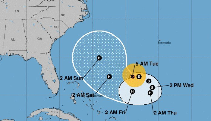 Jose re-strengthens into Category 1 hurricane
