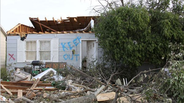 An EF-4 tornado touched down in the college town of Tuscaloosa, AL, killing 43. The tornado then trekked east toward Birmingham, Alabama's largest city. (Source: NOAA)