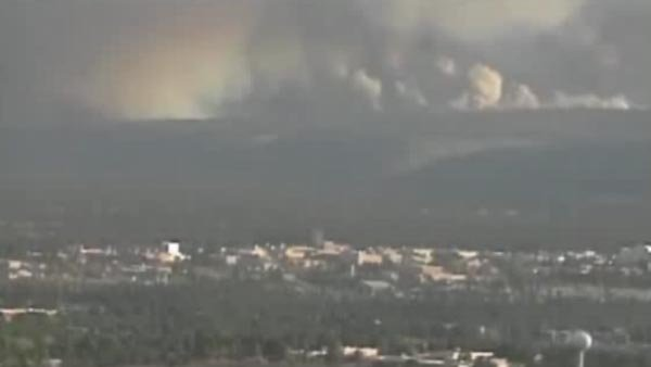 Smoke generated by wild fires can pose a major health risk. (Source: KHNL)