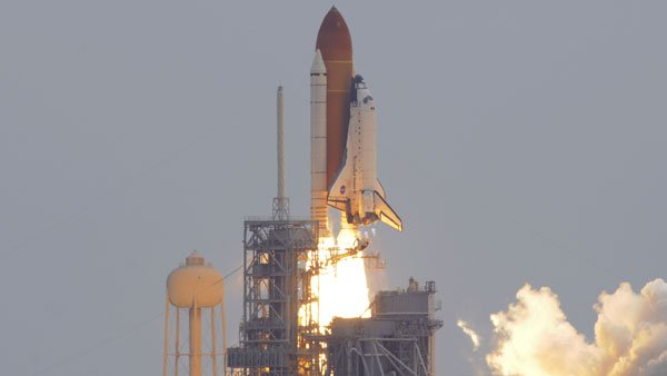 Atlantis and the crew of STS-135 liftoff from the Kennedy Space Center on the final mission of the shuttle program. (Source: scottamillerphoto.com)