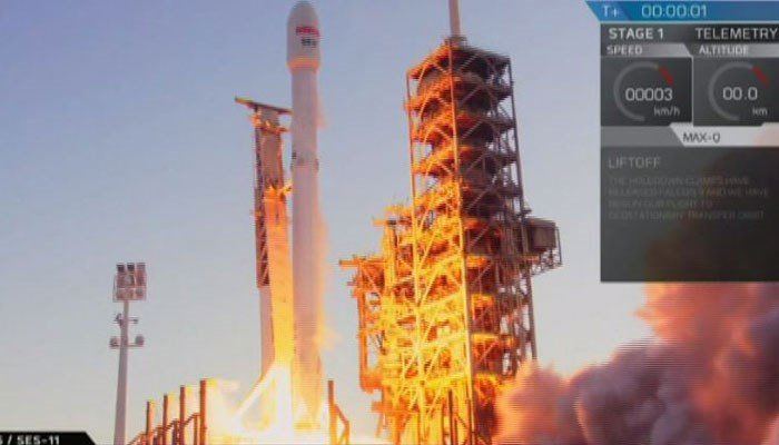 The Falcon Rocket blasts off on Wednesday from Kennedy Space Center, FL. (Source: SpaceX/CNN)