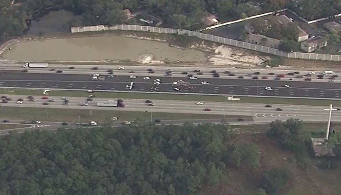Airplane lands on I-4 in Seminole County