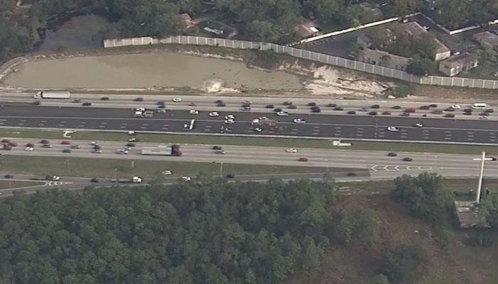 Pilot departs DeLand, lands on I-4 in Seminole County