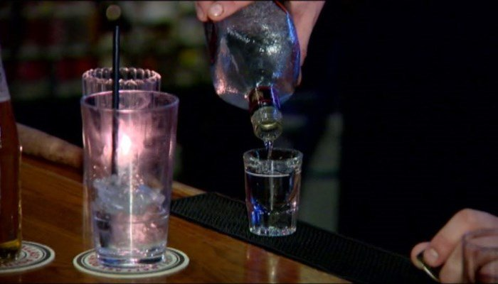 Bill would lower drinking age in Wisconsin to 19