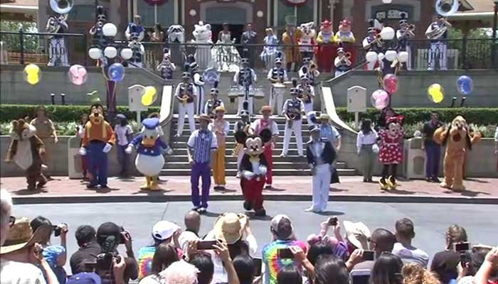 Disneyland shuts down cooling towers after 12 diagnosed with Legionnaires' disease