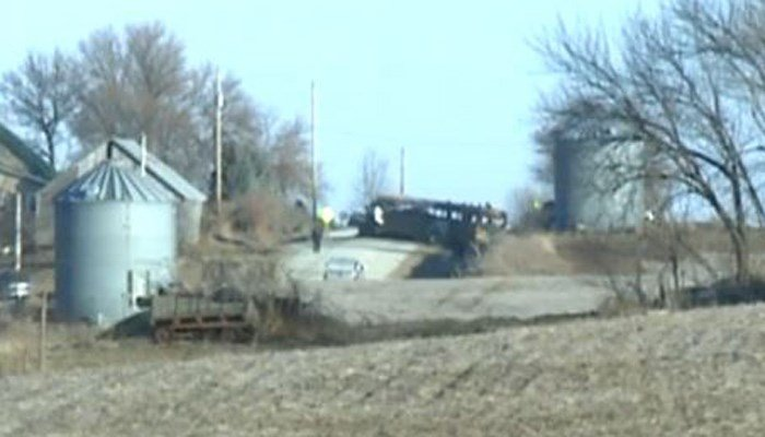 School bus fire kills 2 in Oakland, Iowa