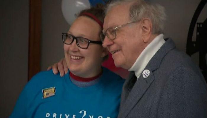 An Omaha non-profit is the big winner of Warren Buffett's million-dollar wager. (Source: CNN, POOL)