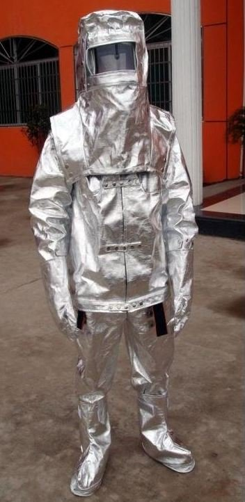 This fire suit protects you to 500 degrees Centigrade and looks terrific on the dance floor. (Source: Jiangsu-huasan)