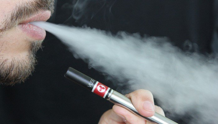 Study author Mark Rubinstein said there's no reason teenagers should be vaping. (Source: Pixabay)