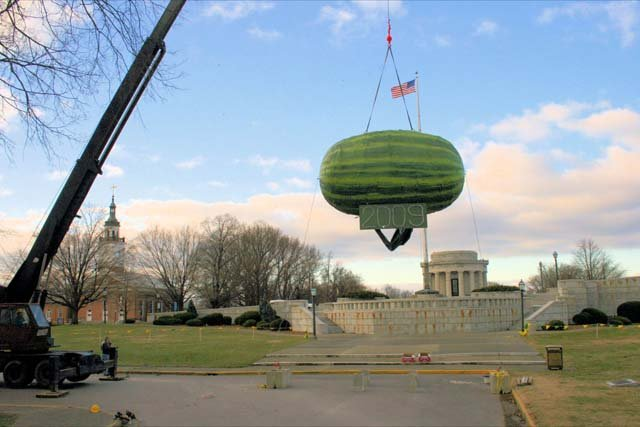 The giant watermelon that releases more watermelons to ring in the new year in Vincennes, IN. (Source: Rick Linenburg)