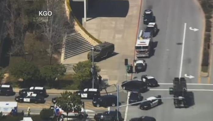 A heavy police presence outside of the YouTube campus as law enforcement responds to reports of an active shooter. (Source: KGO/CNN)