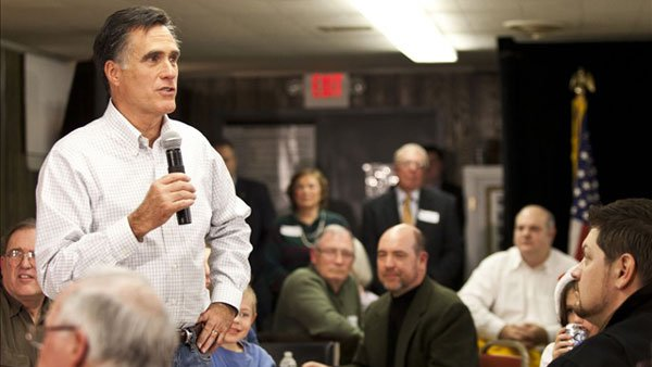 Former Mass. Gov. Mitt Romney talks to a crowd in New Hampshire on Dec. 21. (Source: Mitt Romney/flickr)