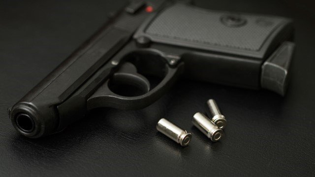 3-year-old accidentally shoots, wounds mother in vehicle in Indiana