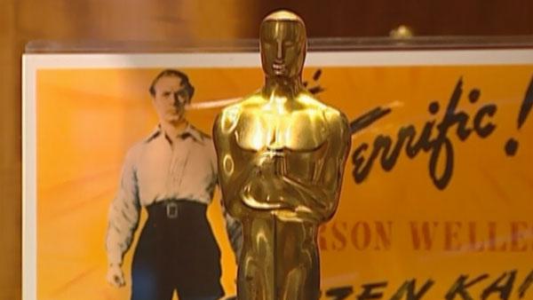 A photograph shows a close-up of Orson Welles' Oscar statuette for 'Citizen Kane.' (Source: CNN)