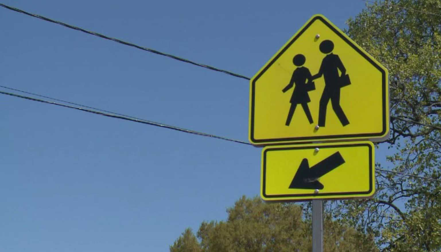 Schools in Norfolk, VA, are warning parents about a person in a van trying to lure kids. (Source: WTKR/CNN)