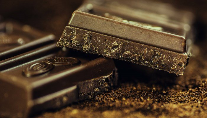 Dark chocolate can give you a boost, and it's not the sugar, a study suggests. (Source: Pixabay)