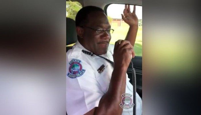 After 30 years, retiring officer tearfully signs off for final time