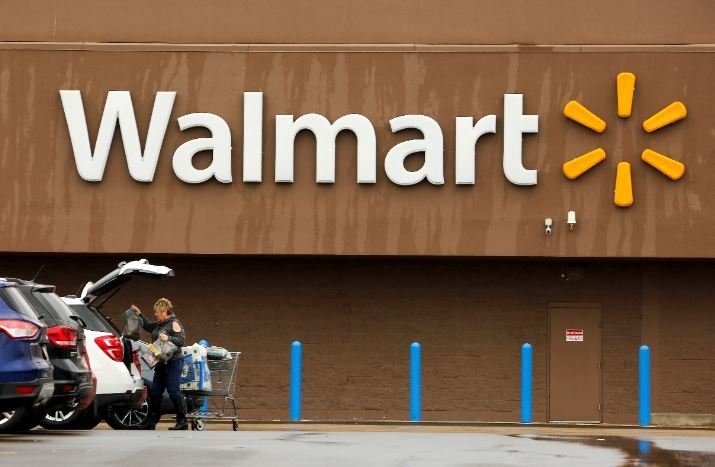 Walmart announced it would no longer sell more than a seven-day supply for prescription opioids at its pharmacies and is moving toward requiring e-prescriptions for controlled substances. (Source: AP Photo/Gene J. Puskar)