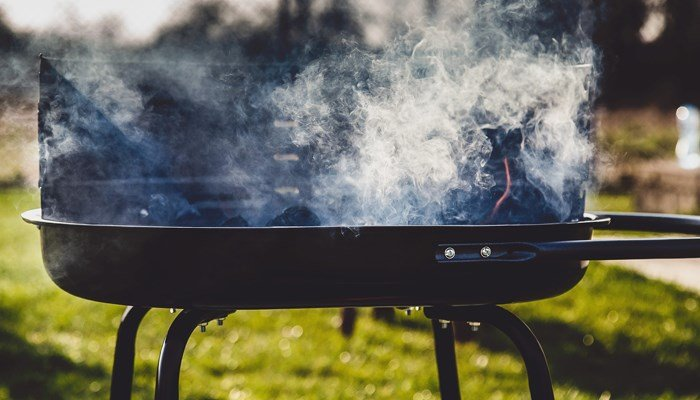 Woman Calls Police On a Black Family Barbecuing At Oakland Park