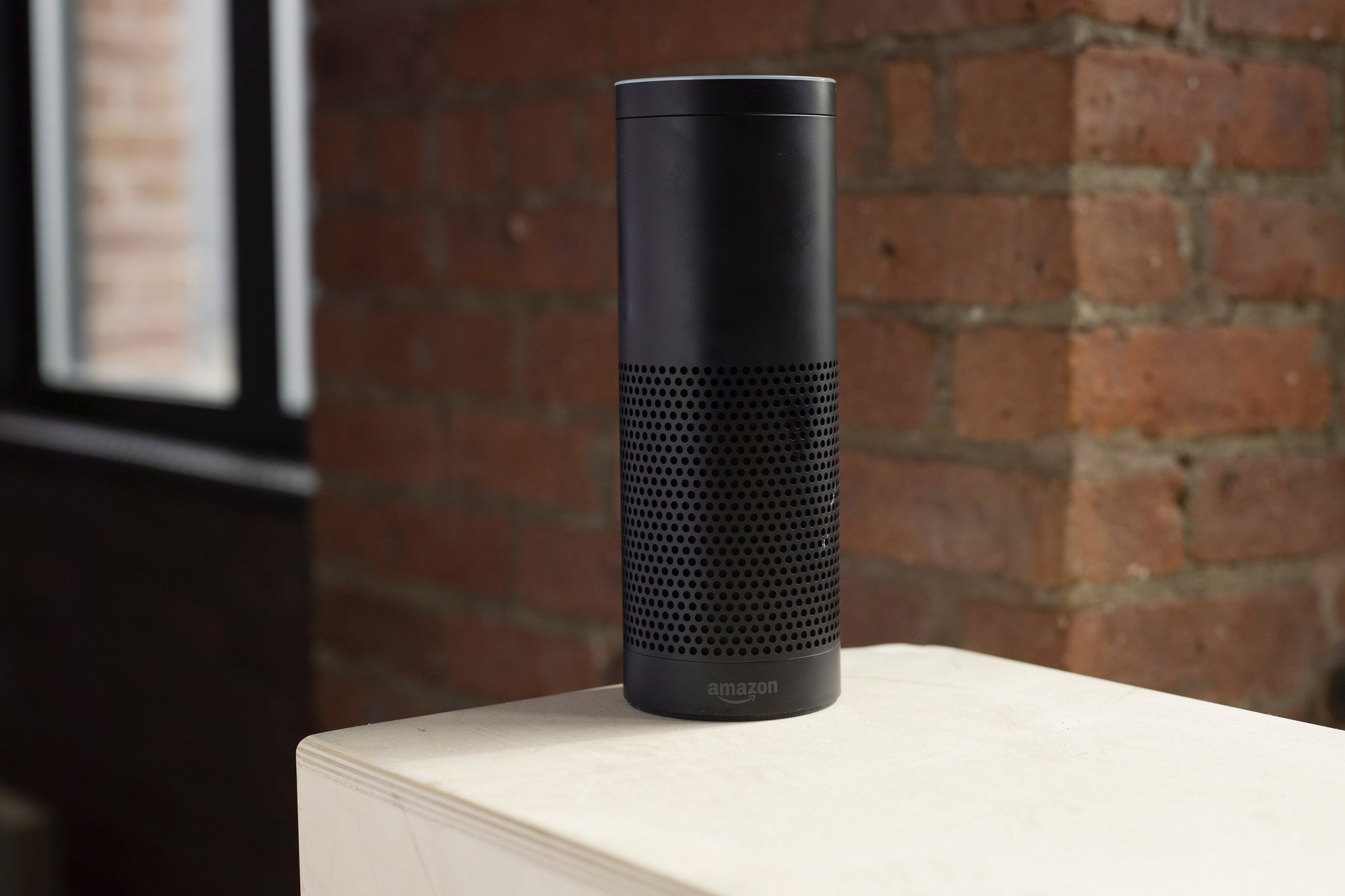 Voice assistant Amazon gave conversation to a third party