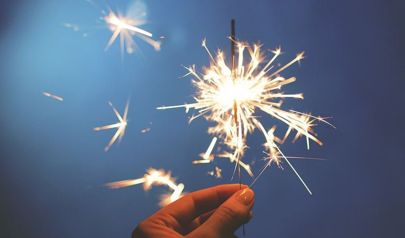 Even sparklers are dangerous to young children because they burn at temperatures of about 2,000 degrees - hot enough to melt some metals. (Source: Pixabay)