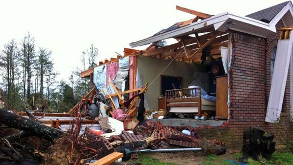 The remains of a home in Verbena, AL. (Source: WBRC)